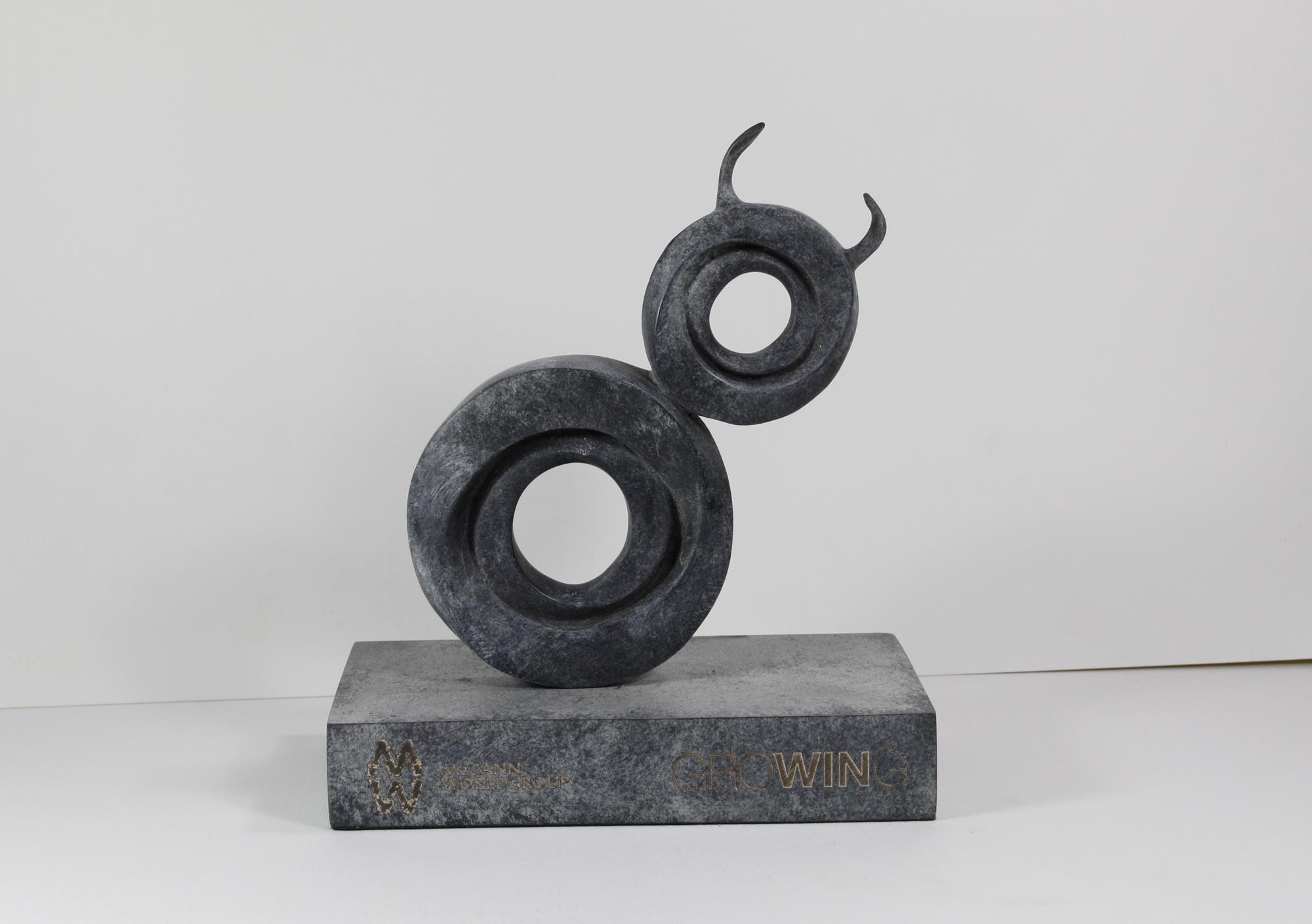 escultura-corporativa-GROW1