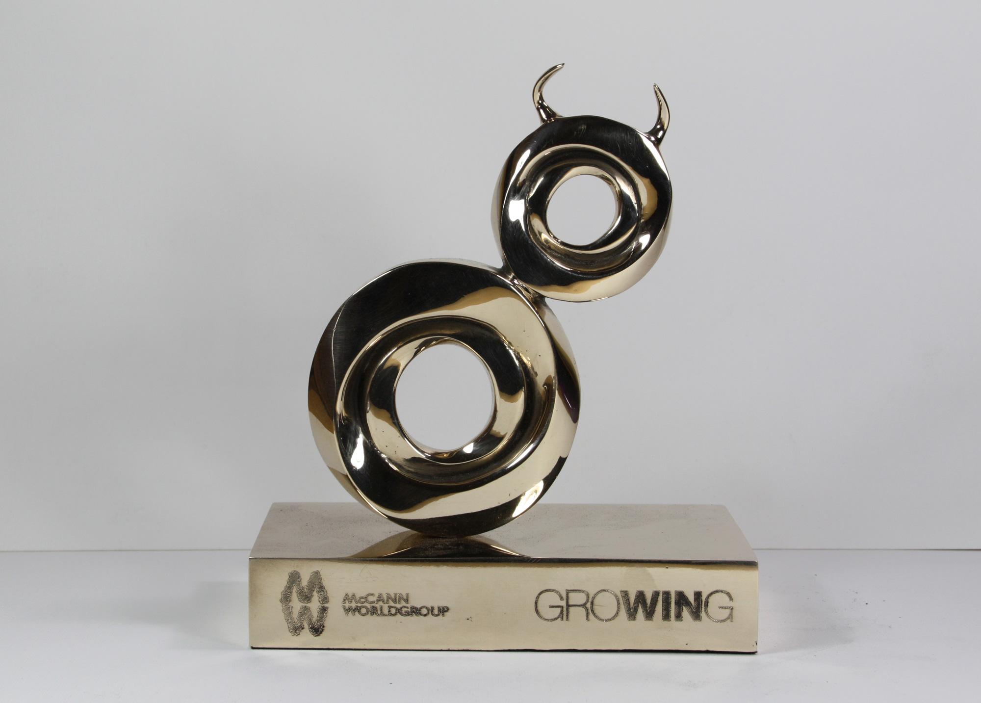 escultura-corporativa-GROW8