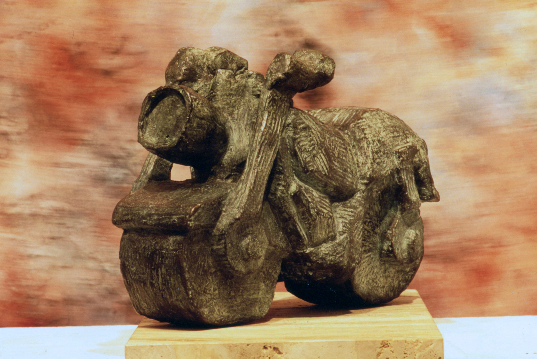 escultura-corporativa-moto3
