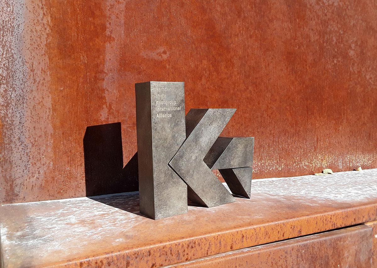 esculturas-corporativas-knot1