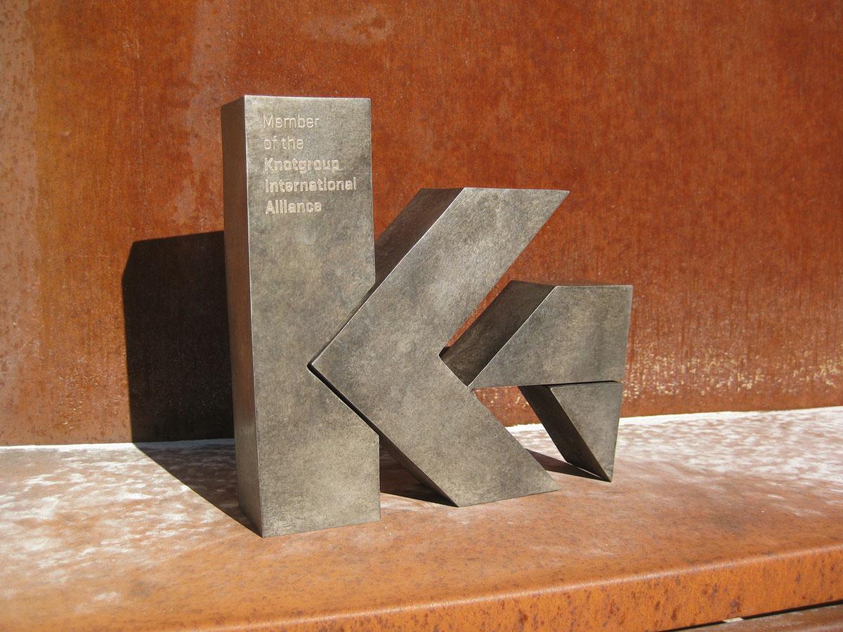 esculturas-corporativas-knot4